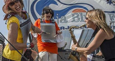Musicians on Rosarito beach