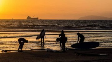 LOCALES ESCUELA DE SURF & SHOP